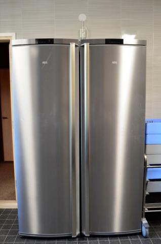 Ruoat ja juomat saa kahteen jääkaappiin
