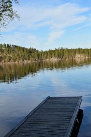 Juhlapaikan maisemat järvelle